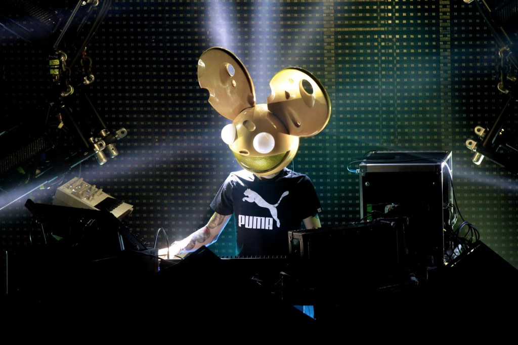 Deadmau5-Aural-Synapse-Live-Orange-Halloween