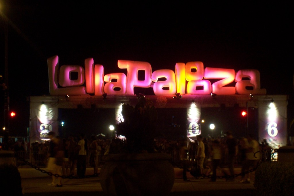Lollapalooza_sign