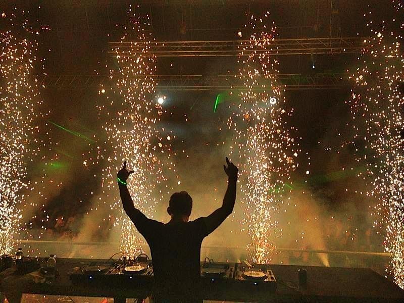 Hardwell has 40 new songs! Undecided on Ultra set list - EDM Assassin